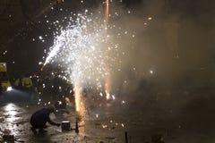 2015 anos novos de celebração e fogos-de-artifício da véspera no quadrado de Wenceslas, Praga Imagens de Stock Royalty Free