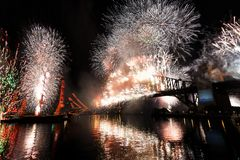 Anos novos dos fogos-de-artifício, Austrália Fotos de Stock Royalty Free