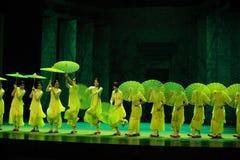 Anos- verdes em segundo do ato de eventos do drama-Shawan da dança do passado Fotografia de Stock Royalty Free