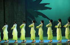 Anos- verdes em segundo do ato de eventos do drama-Shawan da dança do passado Imagem de Stock Royalty Free