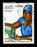 Anpassa kvinnan, den 11th årsdagen av självständighet, serie, circa 198 Royaltyfri Bild
