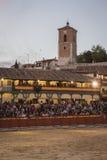 Anpassade den fyrkantiga borgmästaren för plazaen av Chinchon som en tjurfäktningsarena, Spanien Fotografering för Bildbyråer