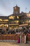 Anpassade den fyrkantiga borgmästaren för plazaen av Chinchon som en tjurfäktningsarena, Spanien Royaltyfria Foton