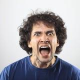 Anrgy und wütendes Porträt des jungen Mannes Lizenzfreies Stockfoto