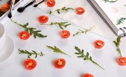 Ans-arugula för körsbärsröda tomater Royaltyfri Bild