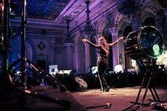 10 ans de concert de luxe d'Antonia de magazine Photographie stock libre de droits