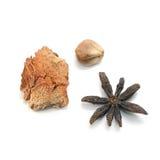 Anís de estrella secado, jengibre secado, ajo secado (hierba) Foto de archivo