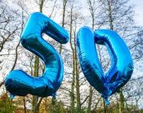 50 ans montent en ballon aujourd'hui Image stock
