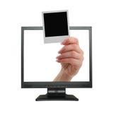 Ansage, die vom LCD-Bildschirm herauskommt stockfotografie