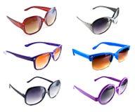 Ansammlung bunte Sonnenbrillen Lizenzfreie Stockfotografie