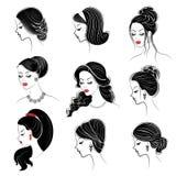 ansammlung Schattenbild des Kopfes einer netten Dame Das M?dchen zeigt ihre Frisur auf langem und mittlerem Haar Passend f?r Logo vektor abbildung