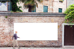 Anschlagtafel mit Kopienraum auf der Wand in Venedig Lizenzfreie Stockfotografie
