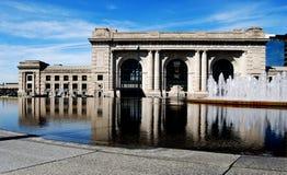Anschluss-Station-Frontseite im Stadtzentrum gelegenes Kansas Lizenzfreies Stockfoto