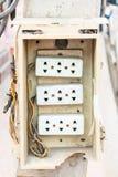 Anschlussstecker auf Strommast Stockfoto
