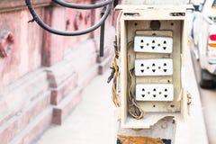 Anschlussstecker auf Strommast Lizenzfreies Stockfoto