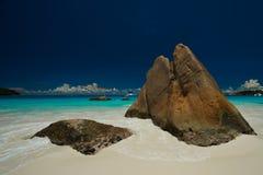 Anse拉齐奥普拉兰岛Seychellen 库存照片