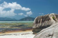 Anse银来源d的` -在热带海岛拉迪格岛上的美丽的海滩在塞舌尔群岛 免版税图库摄影