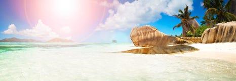 anse παραλιών αυγής ινδική νησιών τροπική όψη των Σεϋχελλών praslin του Λάτσιο ωκεάνια πανοραμική Στοκ εικόνα με δικαίωμα ελεύθερης χρήσης
