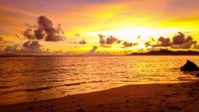 """Anse INTERVALLO delle Seychelles di argento di fonte d """"IPER stock footage"""