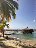 Anse Mitan, Martinica - 12/14/17 - praia tropical bonita em Anse Mitan Fotos de Stock Royalty Free