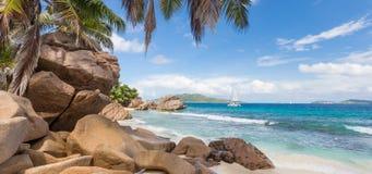 Anse Patates, τέλεια παραλία εικόνων στο νησί Λα Digue, Σεϋχέλλες Στοκ εικόνες με δικαίωμα ελεύθερης χρήσης