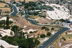Ansicht über Cappadocia der Stadt Goreme, die Türkei stockbilder