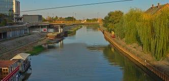 Ansicht über Begej-Fluss in Zrenjanin, Serbien stockfotos