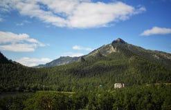 Ansicht über Berg stockfotografie