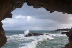 Ansicht über Biarritz-Wellen Stockbilder