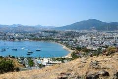 Ansicht über Bodrum-Guembet - eine berühmte touristische Mitte an den turkis Lizenzfreie Stockfotos