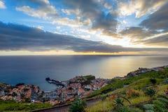 Ansicht über Câmara de Lobos stockfoto