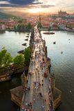 Ansicht über Charles-Brücke stockbild