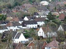 Ansicht über Dachspitzen im Dorf von Chorleywood lizenzfreie stockfotografie