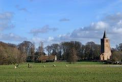 Ansicht über das holländische Dorf Warmond Stockfotos