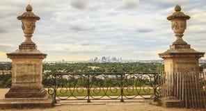 Ansicht über das moderne Geschäftsgebiet von Paris-La Verteidigung Lizenzfreie Stockfotografie