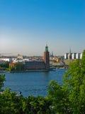 Ansicht über das Rathaus und das Stockholm Stockbilder