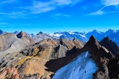 Ansicht über das Torrenthorn an einem sonnigen Herbsttag, die Schweizer Alpen sehend, die Schweiz/Europa stockfotografie