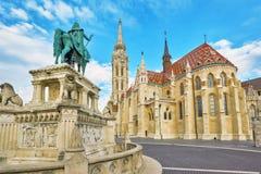 Ansicht über den alten Fischer Bastion im Budapest-Statuen-Heiligen Istv Stockbild