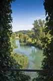 Ansicht über den Mincio Fluss Stockfotografie