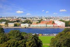 Ansicht über den Neva-Fluss stockfoto