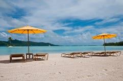 Ansicht über den Strand in der Lagune von Bora Bora Lizenzfreies Stockbild