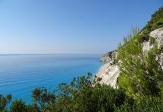 Ansicht über den Strand und das Meer Stockfotos