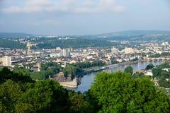 Ansicht über Deutsches Eck in Koblenz in Deutschland lizenzfreies stockfoto