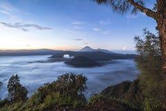 Ansicht über die Berg bromo Landschaft nachts Lizenzfreies Stockfoto