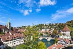 Ansicht über die Brücke in Bern Stockbilder