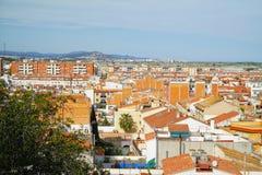 Ansicht über die Dächer des Stadt-Malgrat Des Mrz vom Hügel des Parc-del Castell Lizenzfreies Stockfoto