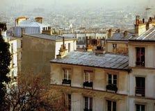 Ansicht über die Dachspitzen von Paris Frankreich Stockbilder