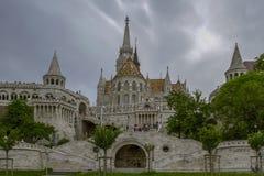 Ansicht über die Fischer ` s Bastion in den Budapest-Ungarmarksteinen Die Fischer ` s Bastion, eins der berühmten Reiseziele in H Stockbild