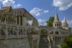 Ansicht über die Fischer ` s Bastion in den Budapest-Ungarmarksteinen Die Fischer ` s Bastion, eins der berühmten Reiseziele in H Stockfotografie