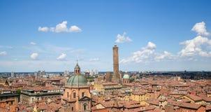 Ansicht über die historische Mitte von Bologna, Italien stockbilder